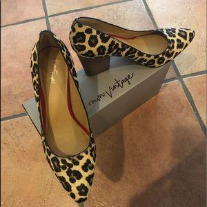 Leopard print black heels